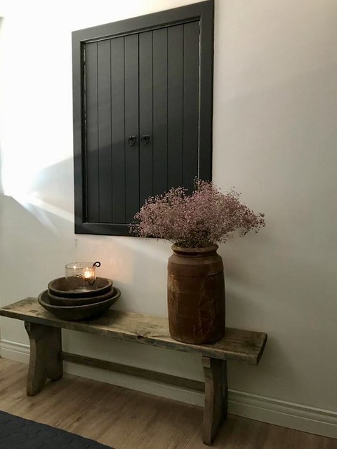 Zwarte luiken houten schalen Nepalese pot