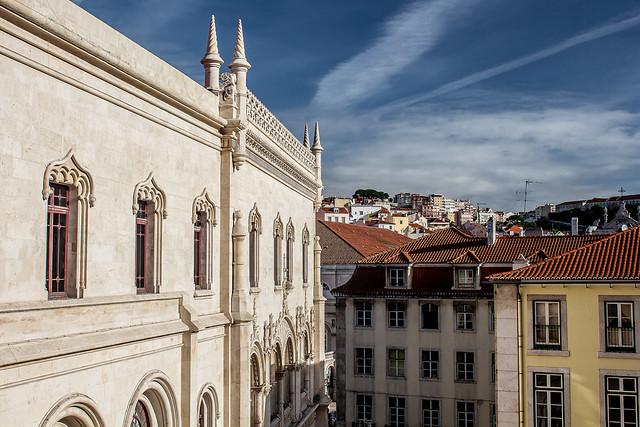 [ A portal to Lisbon ]