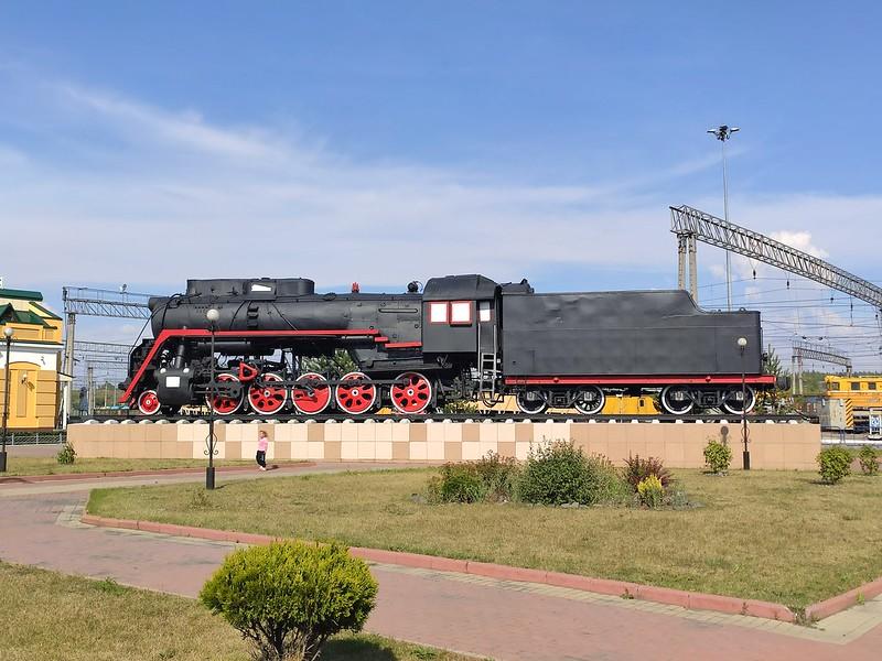 Прокопьевск - Паровоз у жд вокзала