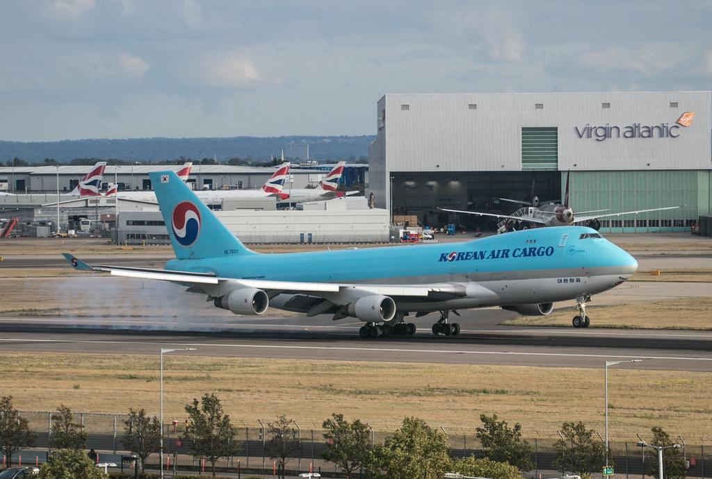 Boeing 747 - Korean Air Cargo - HL7601