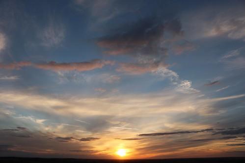 royston sunset hertfordshire therfieldheath england unitedkingdom uk evening sky sun clouds blue canoneos750d explored