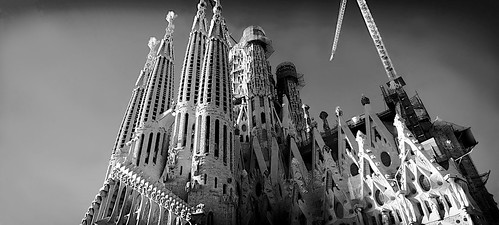 city sky cielo gaudí antonigaudí religion basílica lasagradafamilia construction building architecture sculpture column tower art modernism temple shadow shadows design decoration dark light sunset atardecer mono absoluteblackandwhite blackandwhite monochrome outside outdoor outdoors