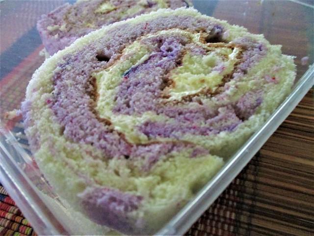 Yat Bakery swiss roll, yam