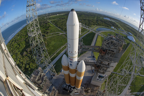 Tower Roll: Delta IV Heavy NROL-44