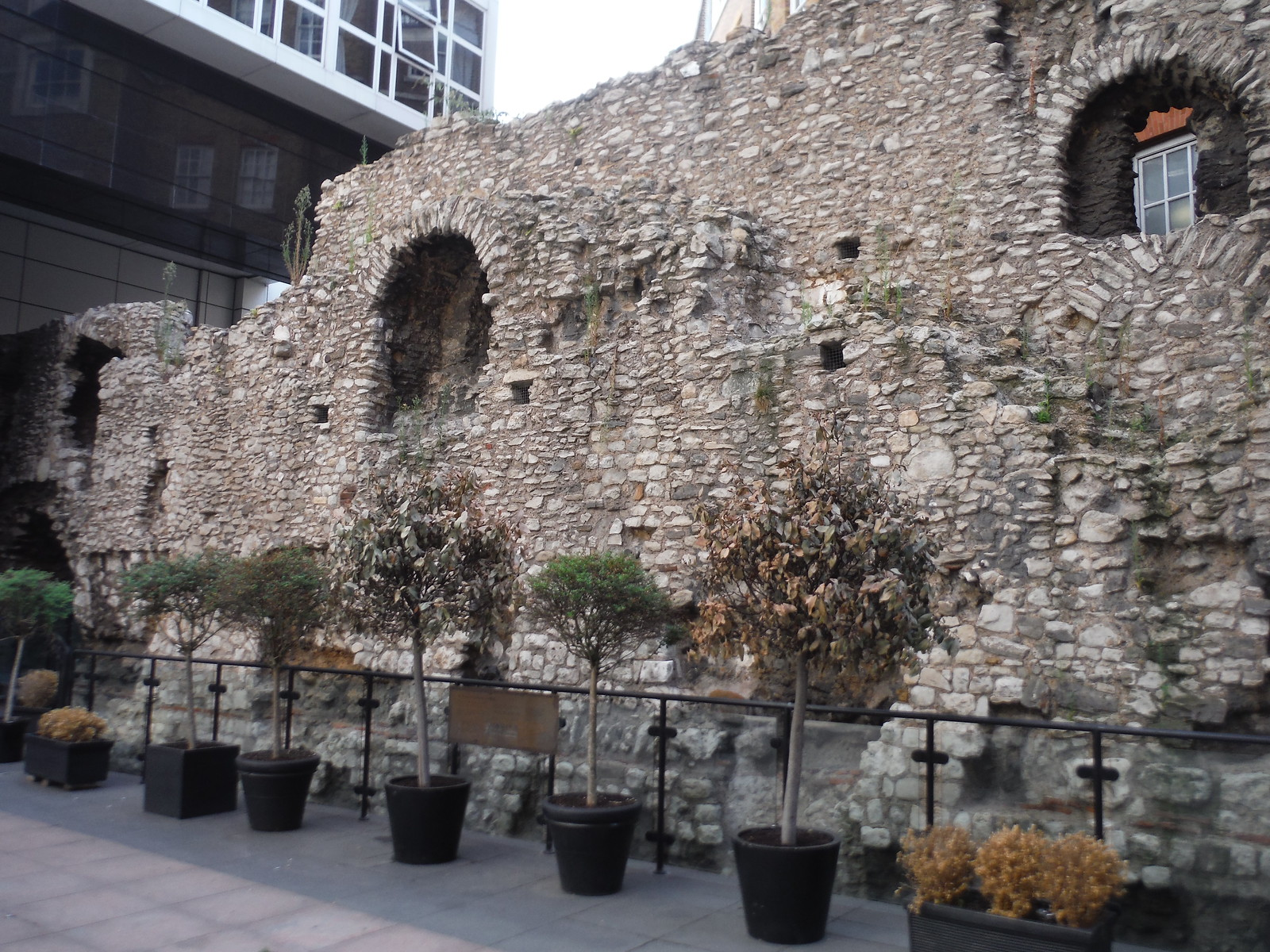 The Wall, Cooper's Row SWC Short Walk 47 - The London Wall