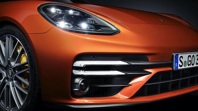 2021-Porsche-Panamera-21