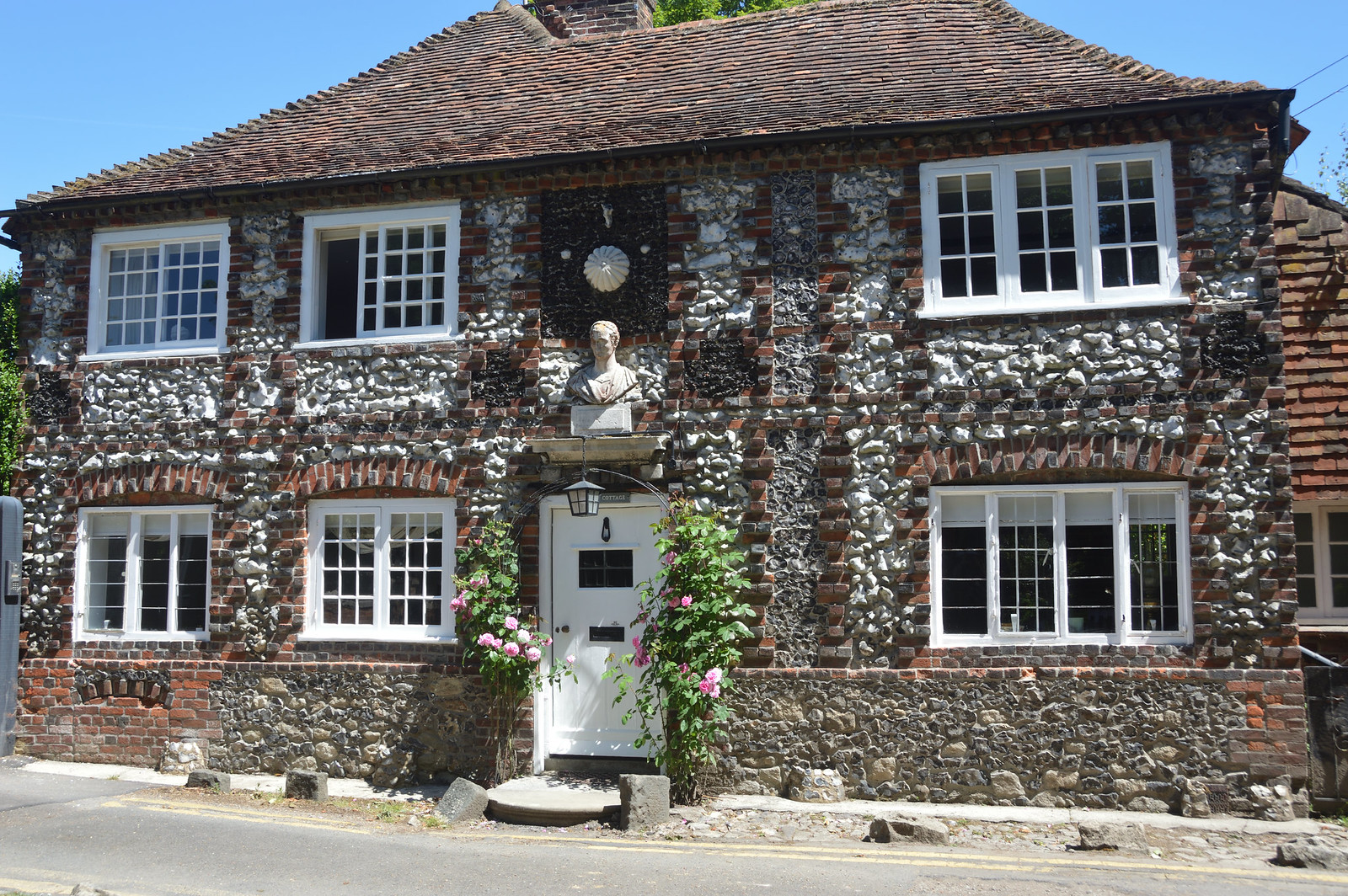 Shoreham Flint cottage