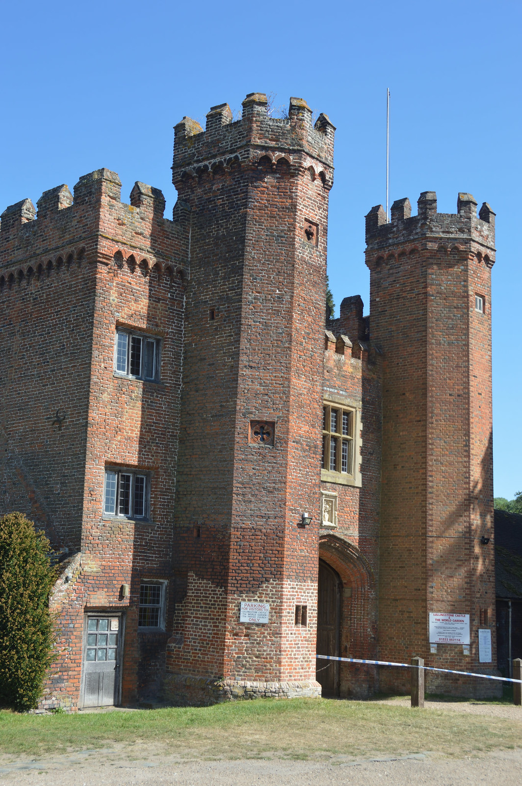 Lullingstone Castle gatehouse