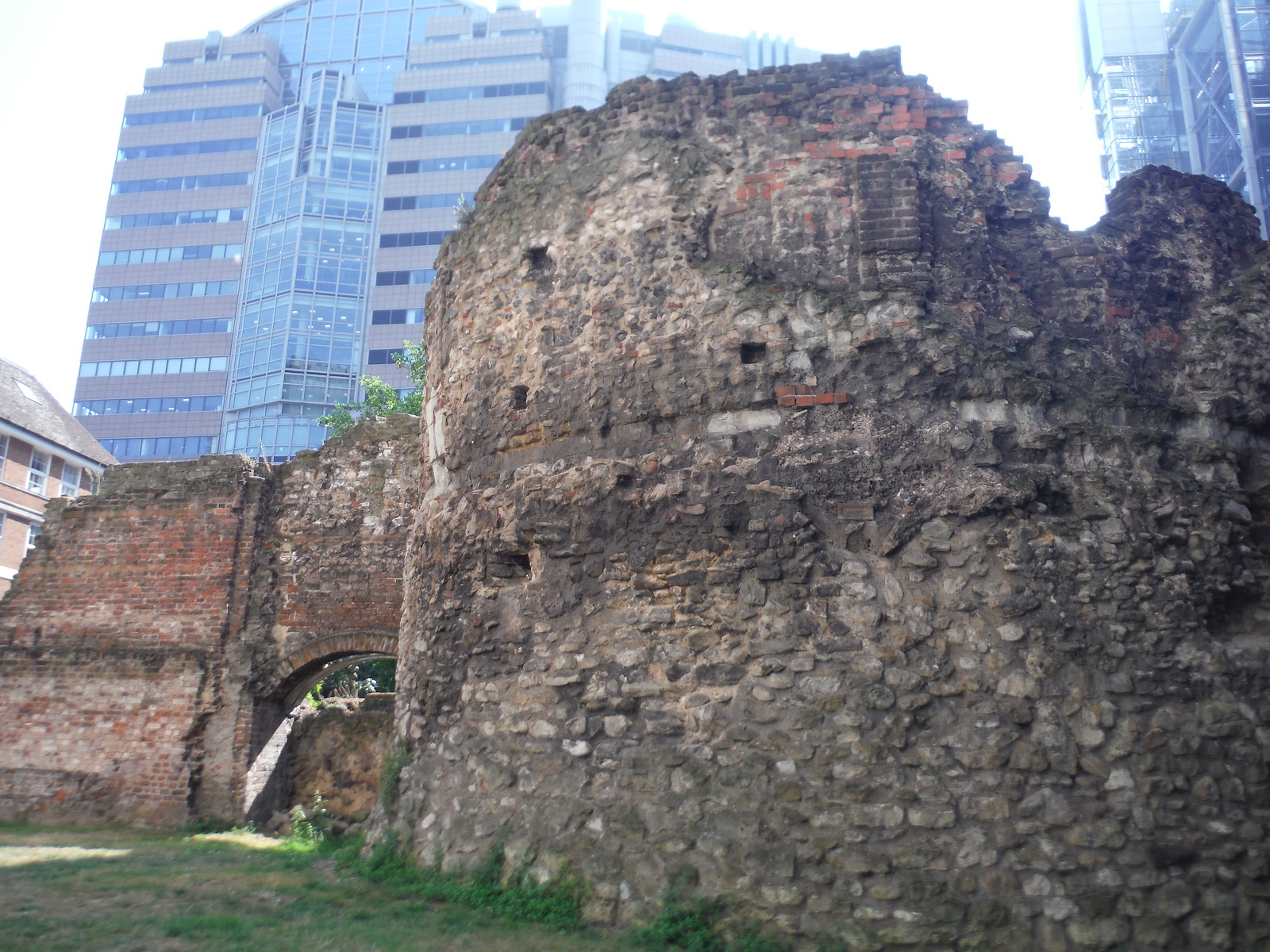 Bastion 14 of the London Wall and 125 London Wall SWC Short Walk 47 - The London Wall
