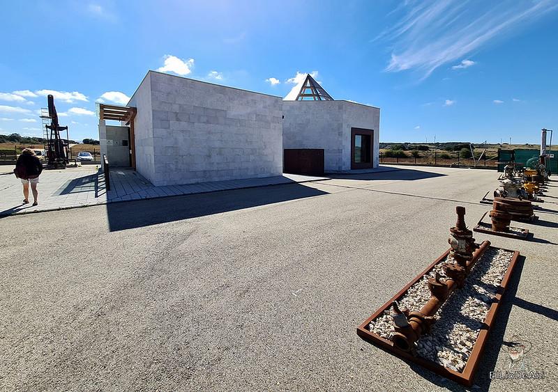 Museo del Petróleo en Sargentes de la Lora 7
