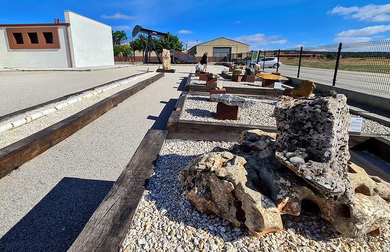Museo del Petróleo en Sargentes de la Lora 5