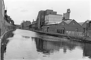 Grand Union Canal, Paddington Arm, West Kilburn, Westminster, 1988  88-3b-32-positive_2400