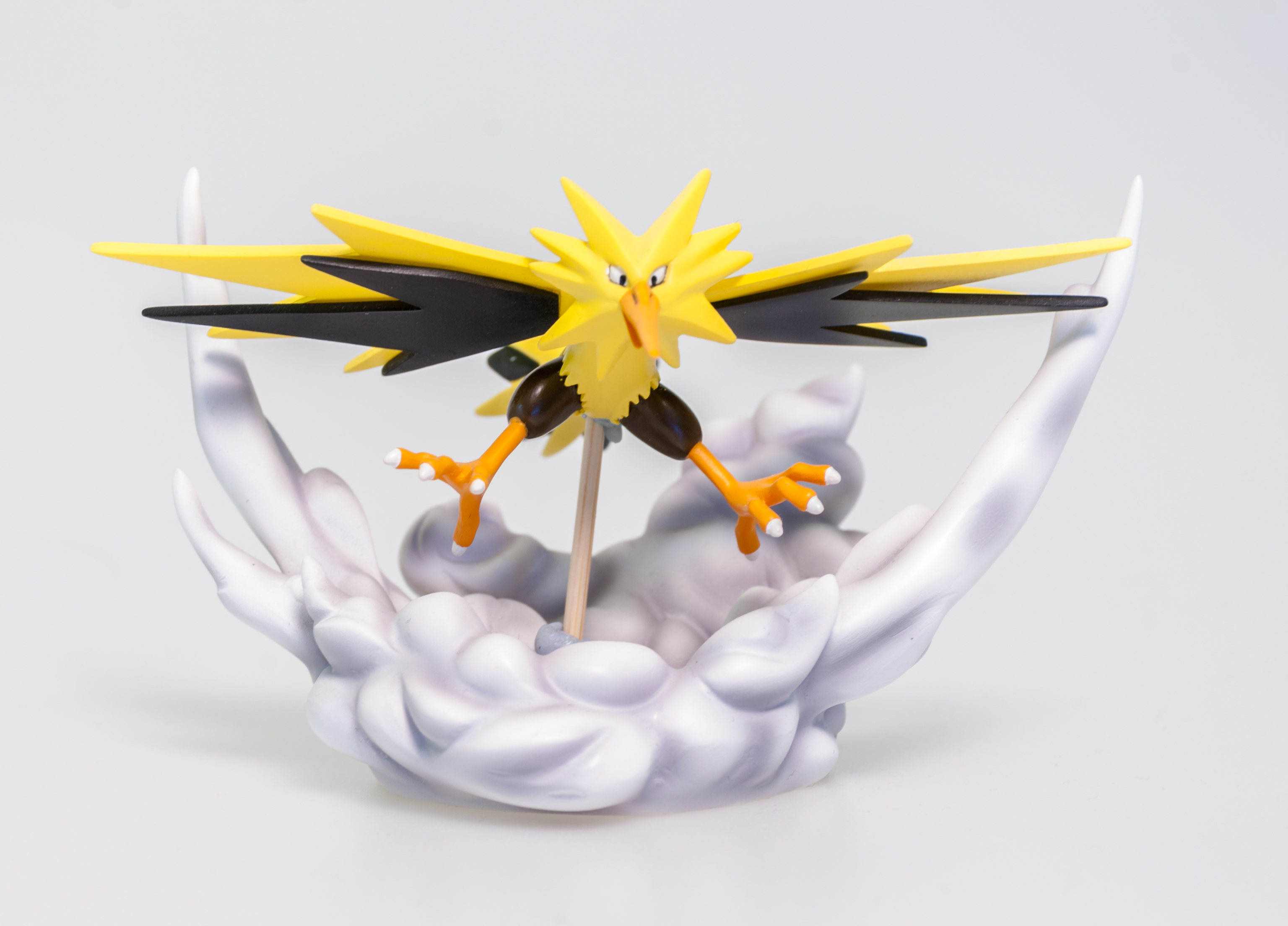 King Studio 10: Zapdos