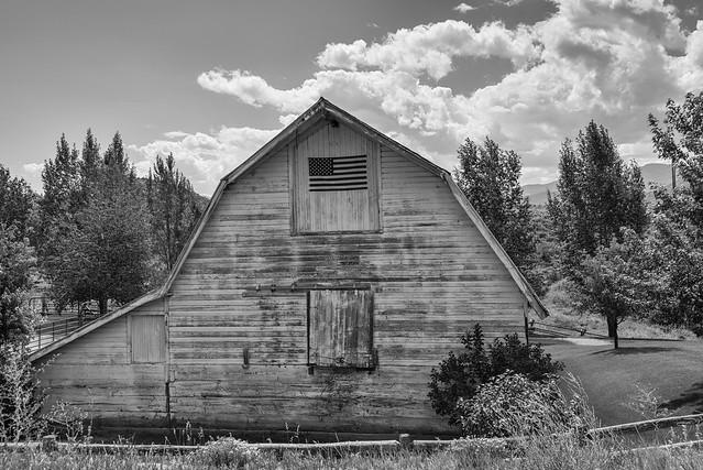 Woody Creek Barn in B&W