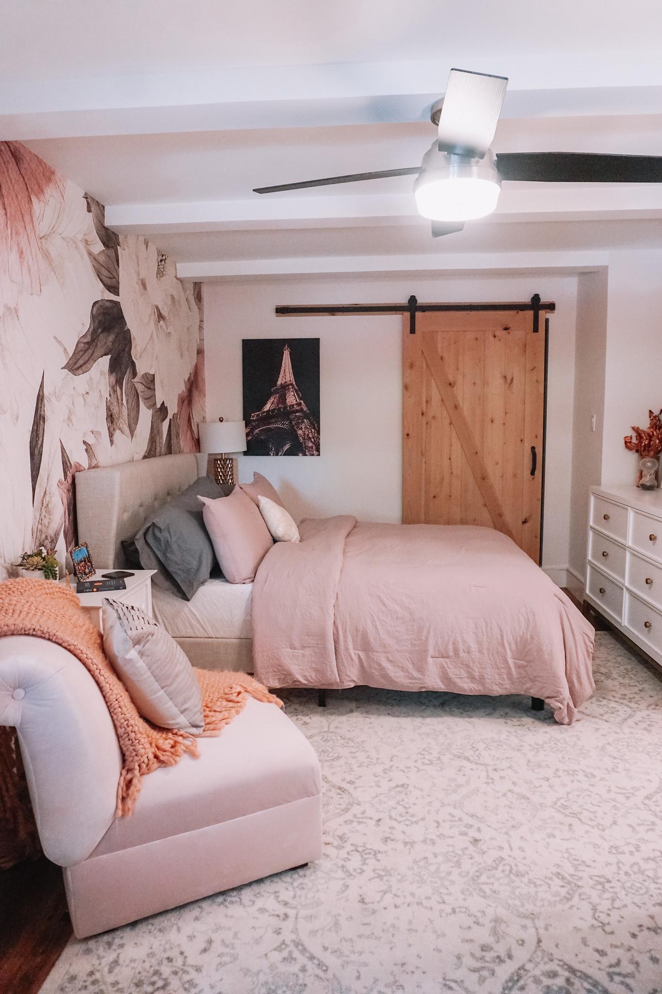 RugsUSA Ivory Floral Ornament Area Rug | Neutral Bedroom Rug