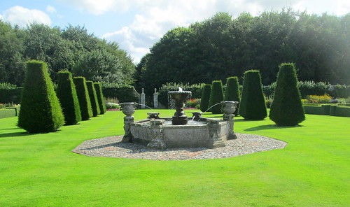 Fountain, Pitmedden Formal Garden