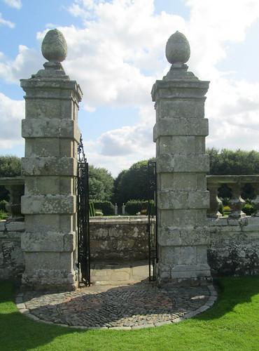Gates, Pitmedden