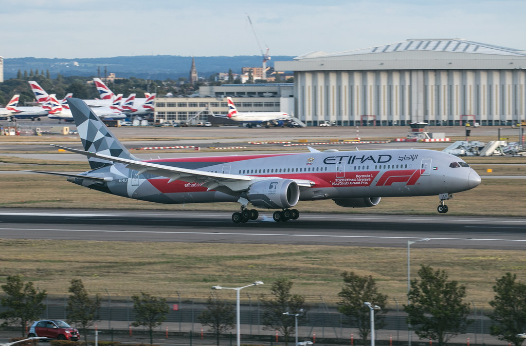 Boeing 787 Dreamliner - Etihad Airways - A6-BLV