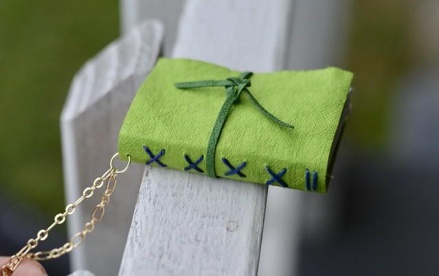 kraft-tex necklace