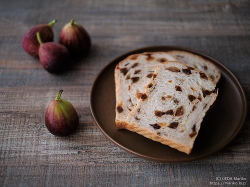 ライ麦いちじくパン 20200828-DSCT8678 (2)
