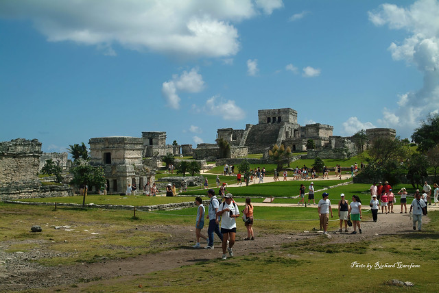 An overview of the Mayan city Chichen Itza