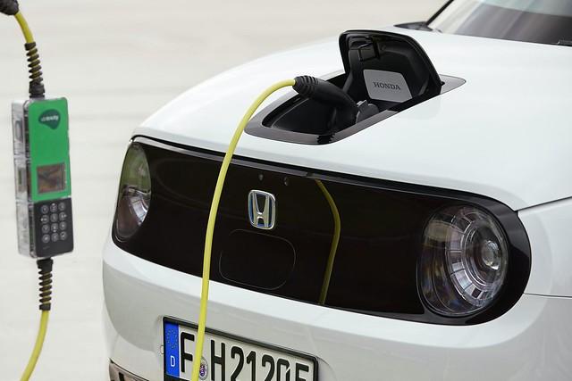 2020-Honda-e-Euro-spec-24