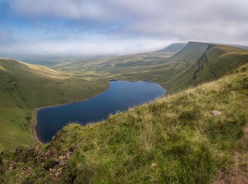 carmarthenfans picwsdu bannausirgaer wales breconbeacons llynyfanfach mountains lake