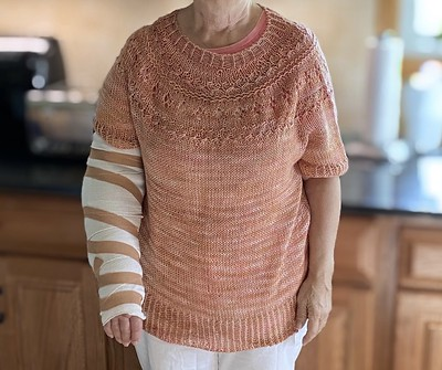 Jen knit her mom Judy this beautiful Ranunculus by Midori Hirose with Lichen and Lace 80/20 Sock in Faded Rose. Shortened sleeves because Judy broke her arm...so this cast and no knitting!