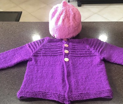 Angela (@angelamaria6334) has been knitting for her granddaughter! Pattern for the cardigan is Verde Cardigan by EweKnit Toronto (@eweknitto).