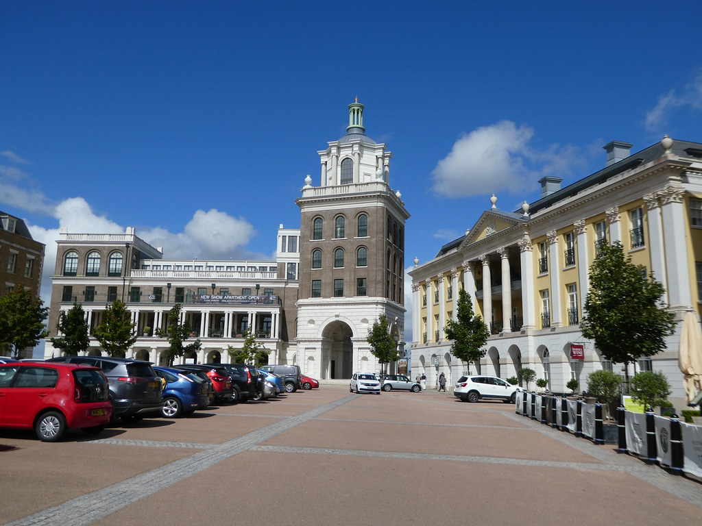 Queen Mother Square, Poundbury