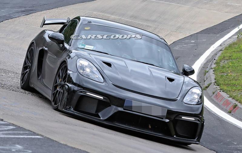 2021-Porsche-718-Cayman-GT4-RS-3