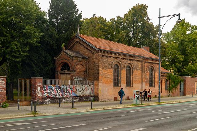Auf dem Kirchhof I der evangelischen Georgen-Parochialgemeinde