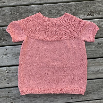 I finished my PetiteKnit's Anker's Summer Shirt! Yarn is LoftyFiber Euroflax Sport (previously Louet Euroflax) in Soft Coral Not quite as much ease as I like but I am happy with it