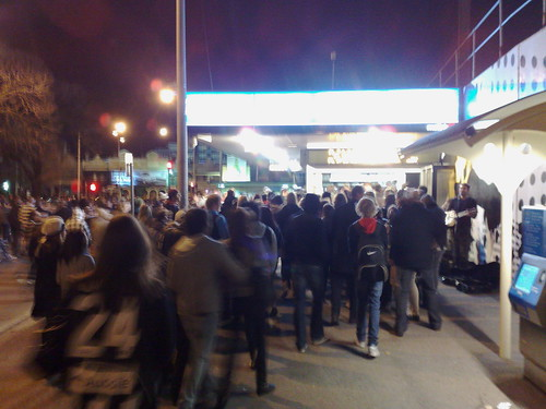 Crowd leaving MCG into Richmond station, August 2010