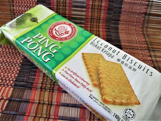 Ping Pong coconut biscuits