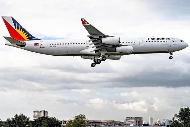 Philippine Airlines - Airbus A340-313 / RP-C3435 @ Manila