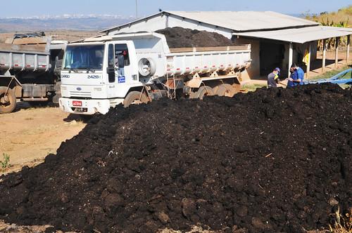 Um milhão de toneladas de adubo para a produção rural