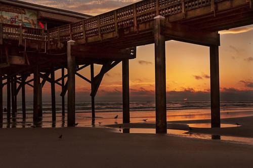 sun sunrise daytona florida color winter newyearseve 2020 nikon d5000 nikond5000 digital pier beach daytonabeach explored