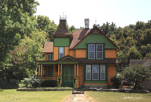 queenanne victorian 2ndempire secondempire architecture kansas watervillekansas house home 19thcentury colorful bankersrow