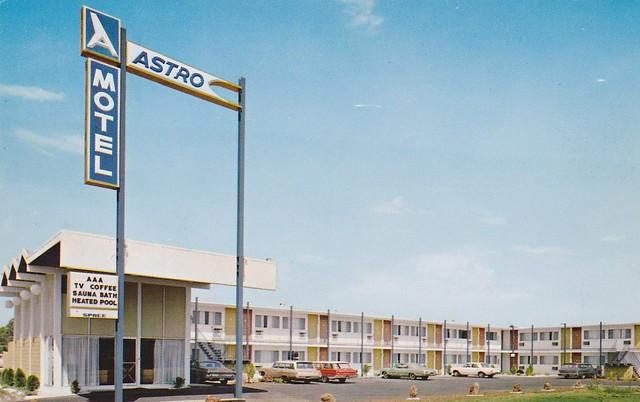 AstroMotel - Antioch -