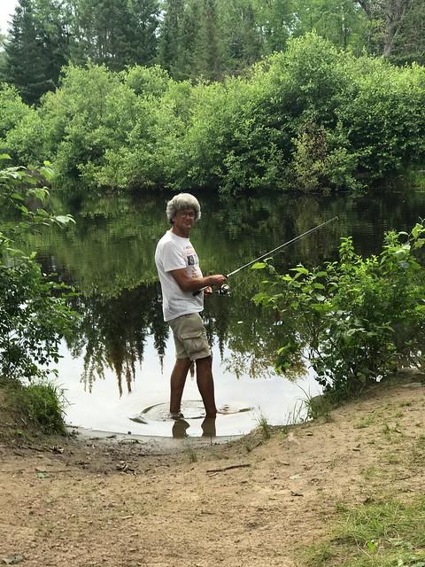 Bonnechere - Pierre fishing