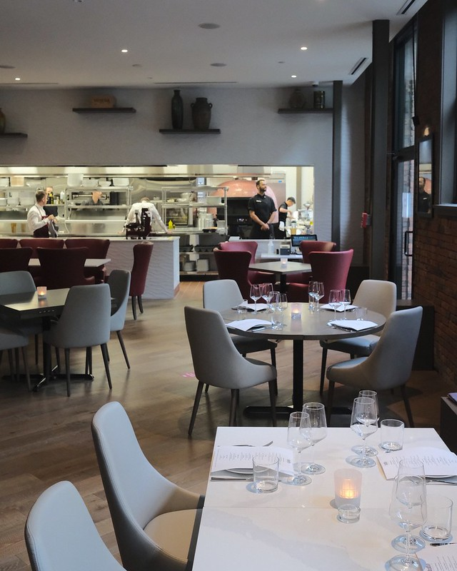 Tutto Restaurant & Bar | Yaletown, Vancouver
