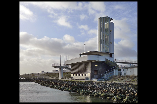 den oever afsluitdijk monument 13 1933 dudok wm (afsluitdk)
