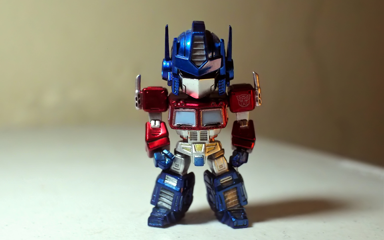 Transformer-style toy robot
