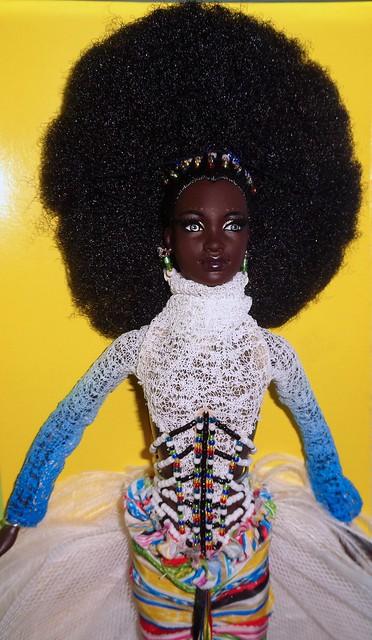 2002 Byron Lars Mbili Barbie (4)