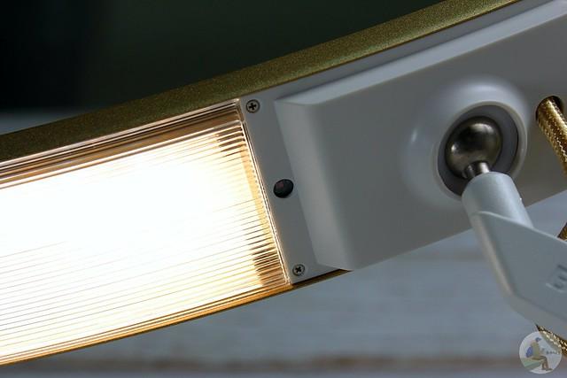 BenQ WiT 螢幕閱讀護眼檯燈 智能調光升級版