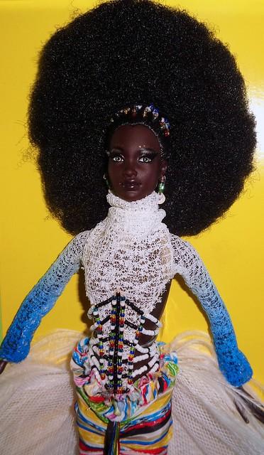2002 Byron Lars Mbili Barbie (5)