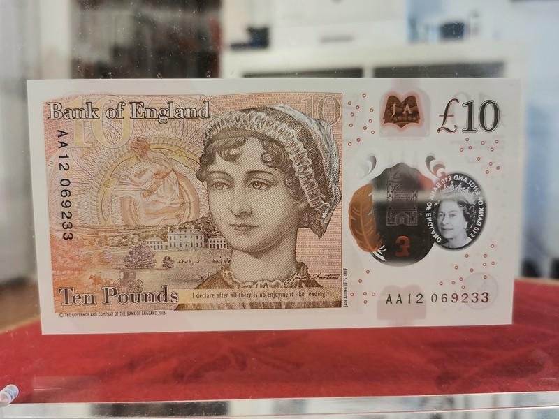 £10 (reverse side)
