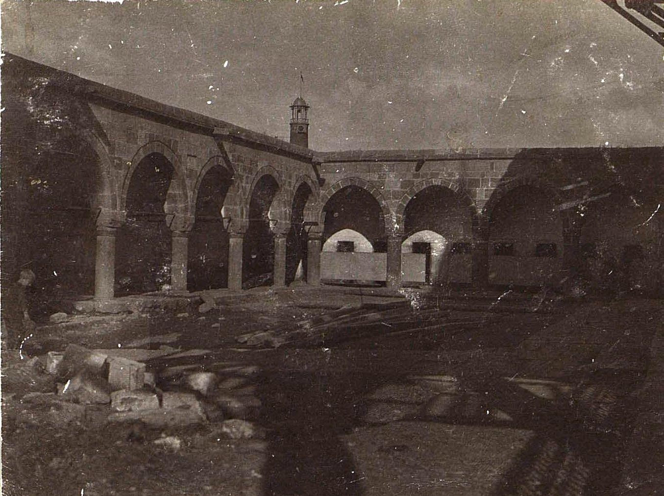 Эрзерум. Внутренний двор одной из мечетей Эрзурума