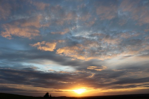 sunset royston hertfordshire england unitedkingdom uk evening sky clouds blue sun therfieldheath canoneos750d